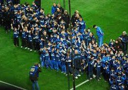 L'Inter in campo contro il razzismo