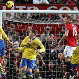 Premier, Van Persie e il virus dell'Arsenal