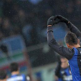 """I tifosi a Guarin: """"Segna alla Juve e ti perdoniamo"""""""