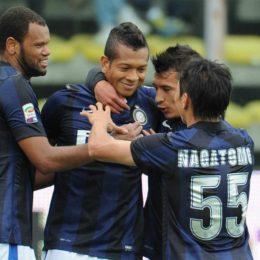 """Mazzarri zelig: """"Siamo gli unici a far giocare i giovani"""""""