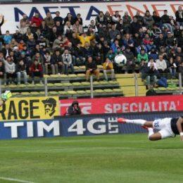 Handanovic para un rigore a Cassano, Rolando dà la vittoria all'Inter