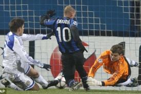 sneijder gol alla dinamo kiev