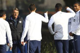 """Mancini: """"Derby tutti belli, nessun problema nel passare a quattro dietro"""""""