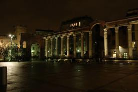 Milano, colonne di notte