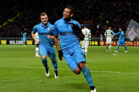 guarin esulta con il celtic 2