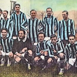 La maglia dei primi anni 20, con l'azzurro più chiaro