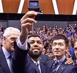 gabi-selfie-pirelli