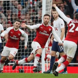 Premier, va all'Arsenal il derby