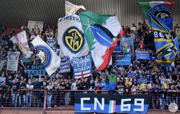 Tifosi dell'Inter al Marassi di Genova