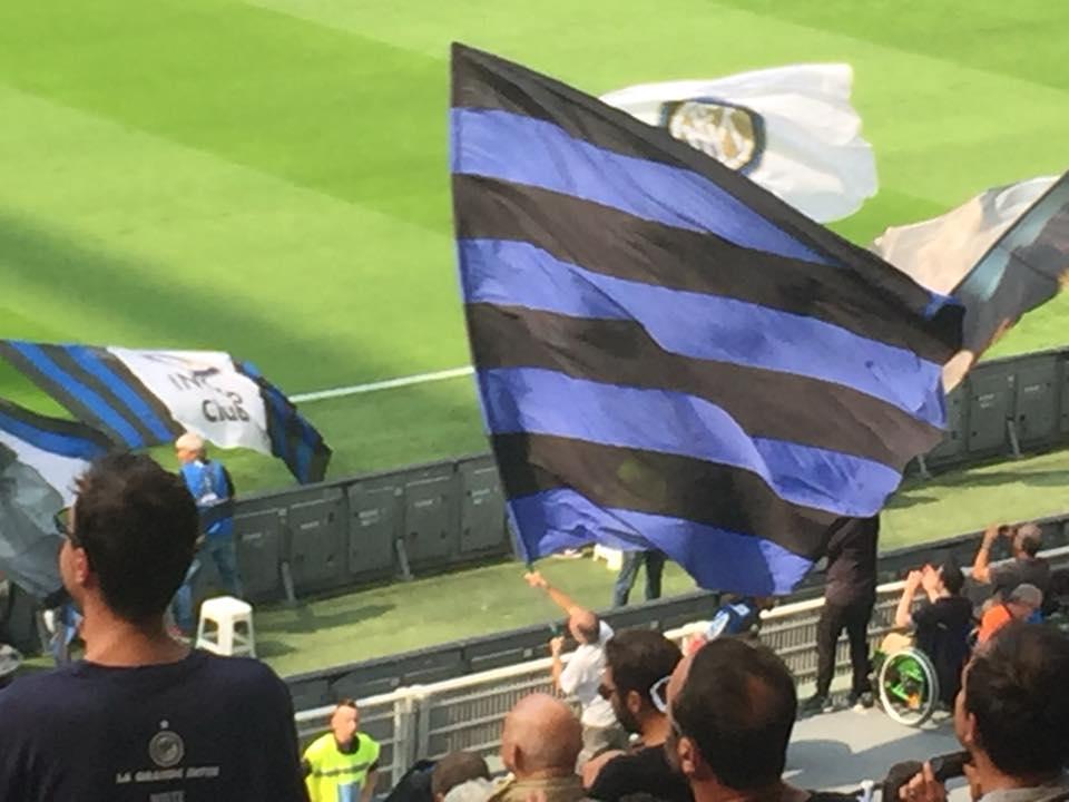 Bandiere allo stadio