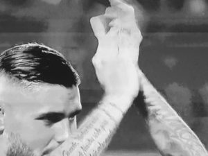 Icardi applaude i tifosi
