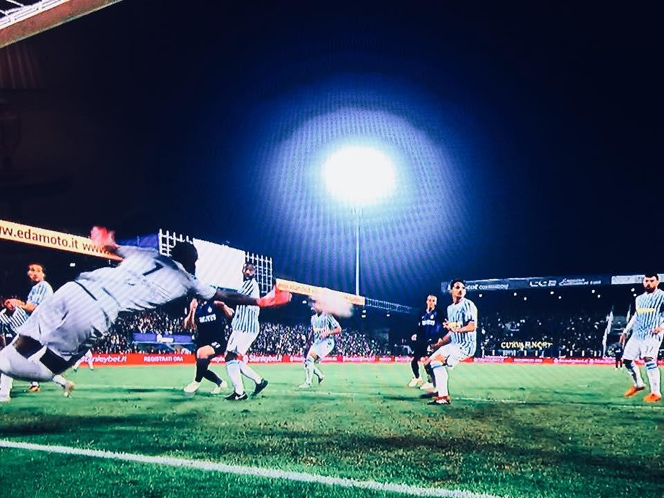 Immagini in nottuurna dell'Inter