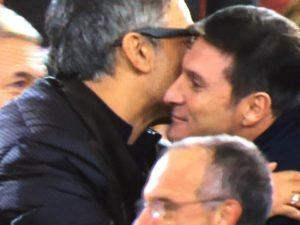 abbraccio Fiorello Zanetti all'olimpico