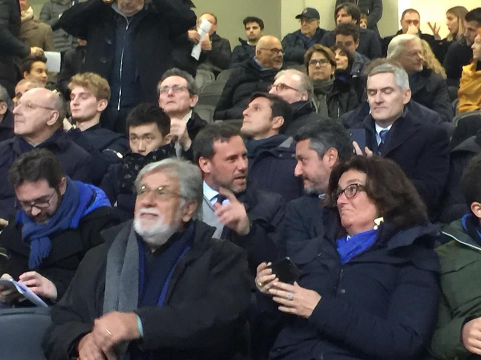 i dirigenti dell'inter allo stadio