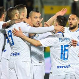 L'Inter si complica la vita, ma vince a Frosinone