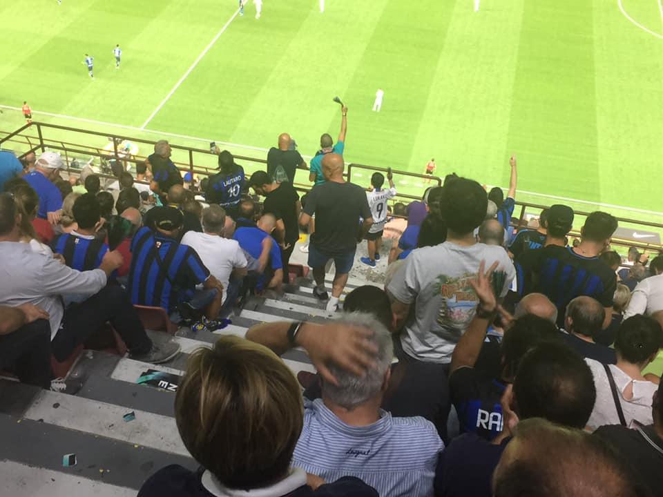 tifosi dell'inter allo stadio