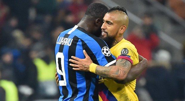 Vidal abbraccio con Lukaku