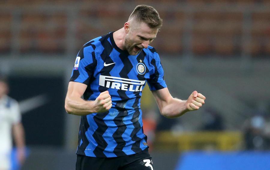 Skriniar celebra il gol contro l'atalanta